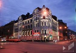 Архитектурное освещение фасада. Фотографии. пр. Добролюбова  1.Санкт-Петербург.