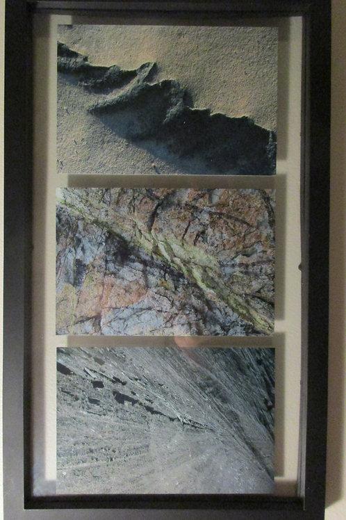 Cadre 3 photos numérotées signées format 4 X 6, cadre plastique noir, fond vide