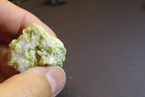 Vesuvianite et Aragonite / mine Jeffrey / Asbestos