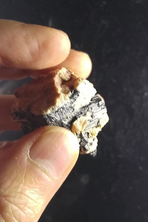 Tourmaline noire (Schorl), Beryl Pit, Quadeville, Ontario
