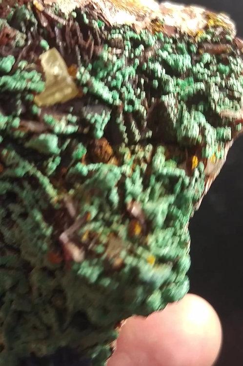 Malachite, Azurite, Fluorite (fluorescente) sur Barite