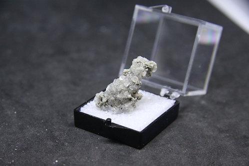 Analcime translucide, Mont-St-Hilaire (MSH)