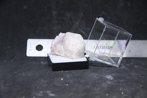 Améthyste et Calcite (fluorescente), Boulder Creek, Ontario