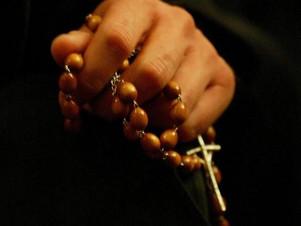 Modlitwa w ciemności wiary, pokus i bezsensu
