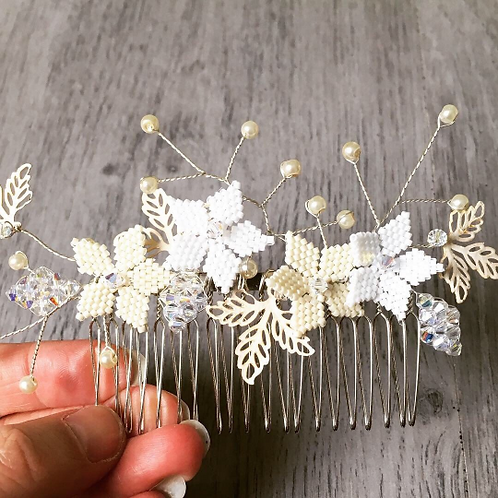 Handbeaded Floral Haircomb