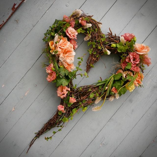 Floristgaraget_begravning_hjärta_öpp
