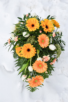 Begravningsbukett glad.JPG
