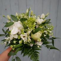 Floristgaraget brudbukett lime 400px.jpg