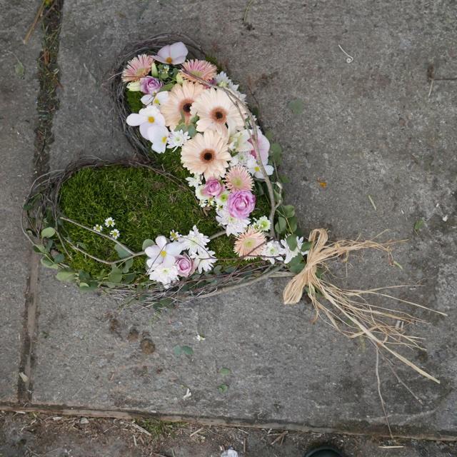 Floristgaraget_begravning_mossa_hjärta
