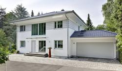 csm_Luxhaus_musterhaus_energiesparhaus_schluesselfertig_walmdach_208_02_a38b480ecc