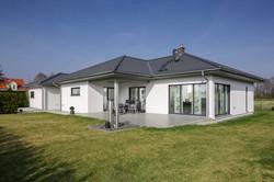 csm_luxhaus_energiesparhaus_musterhaus_schluesselfertig_walmdach_130_1_9825516731