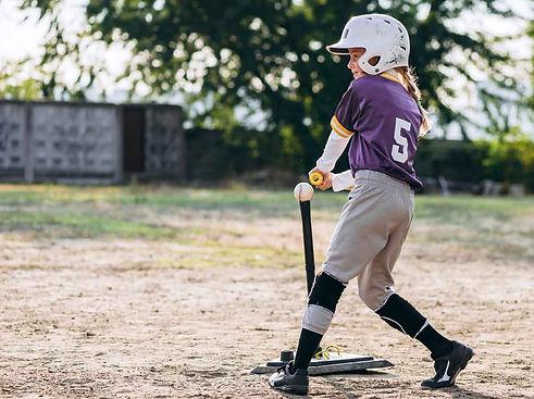 beautiful-girl-baseball-uniform-helmet-p