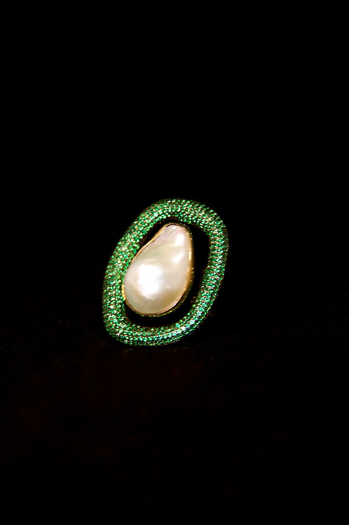 Baroque Pearl Emerald Ring 2