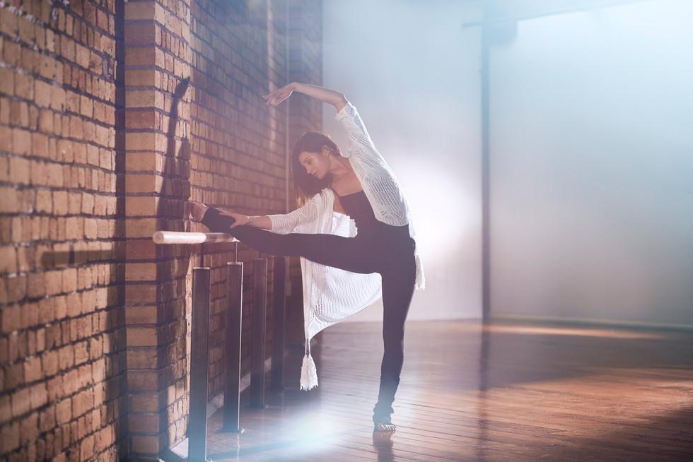Stretching-photo Chris Sisa