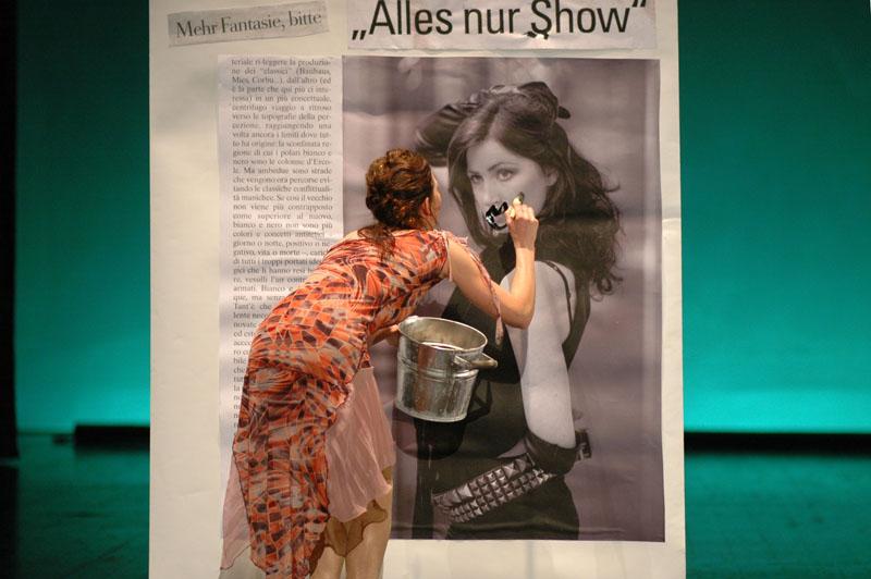 Ara defiles her newspaper image