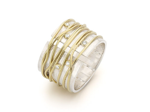 Silver & yellow gold wire ring with diamonds