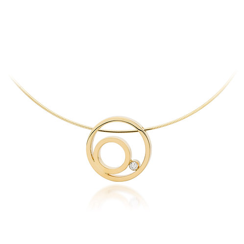 Yellow gold pendant with 0.05 ct. diamond