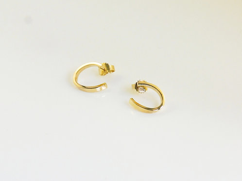 18ct. yellow gold studs