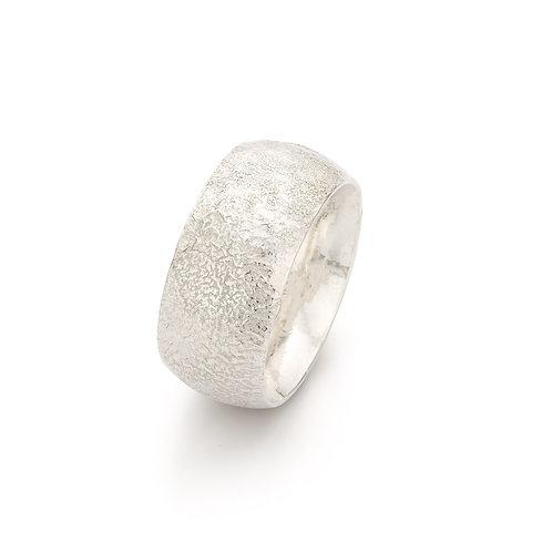Zilveren ring met textuur