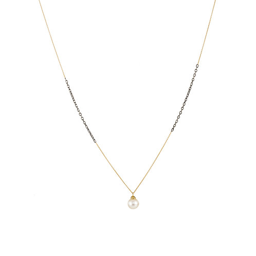 18 carat mixed gold pearl necklace
