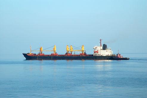 container-ship-PV6Q2LR.jpg