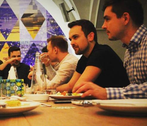 Tentokrát s kolegy slavíme úspěšně ukončený rok 2016 večeří v restauraci Ambiente