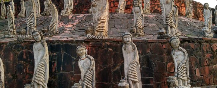 women-statues-snowlion india.jpg