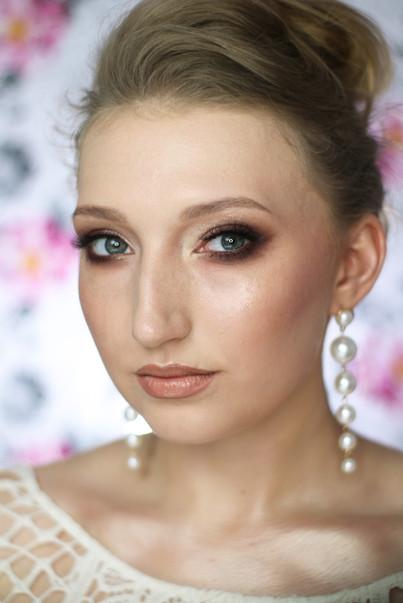 Modelka: Daria dzienisz Mua & fot: Martyna Plińska