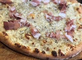 Cacio e Pepe Pizza.jpg