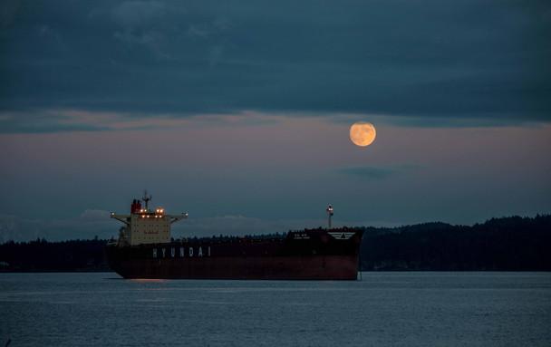 freighter moon1.jpg