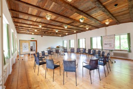 Huggenbergersaal_Stuhlkreis-1024x683.jpg