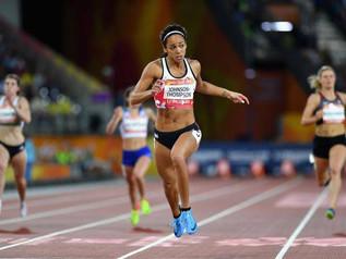 Jeux du Commonwealth : K. JOHNSON-THOMPSON vire en tête à mi parcours.