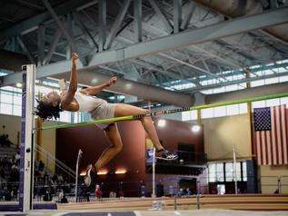 Michelle ATHERLEY (USA), championne universitaire des ETATS-UNIS avec 4 547 points.