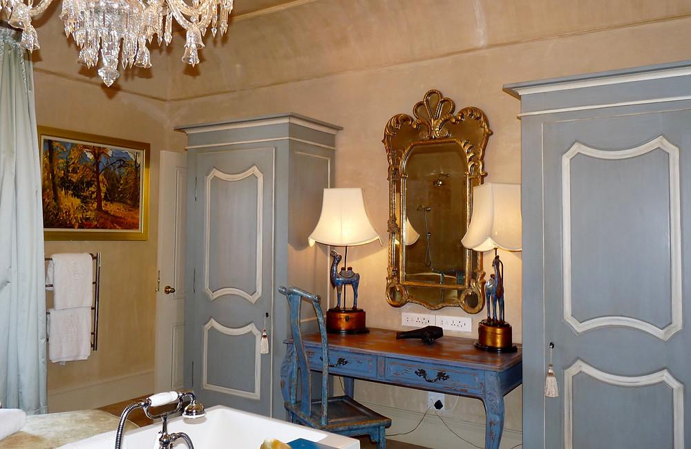 Chambre Bleu bathroom, La Residence