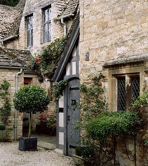 travel photo of Burford, England