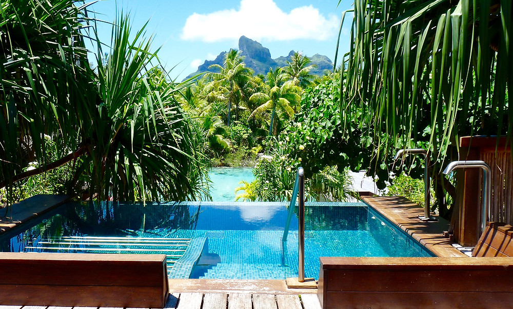 Spa pool at Four Seasons Bora Bora
