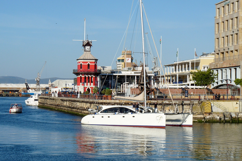 Catamaran comes into Cape Town