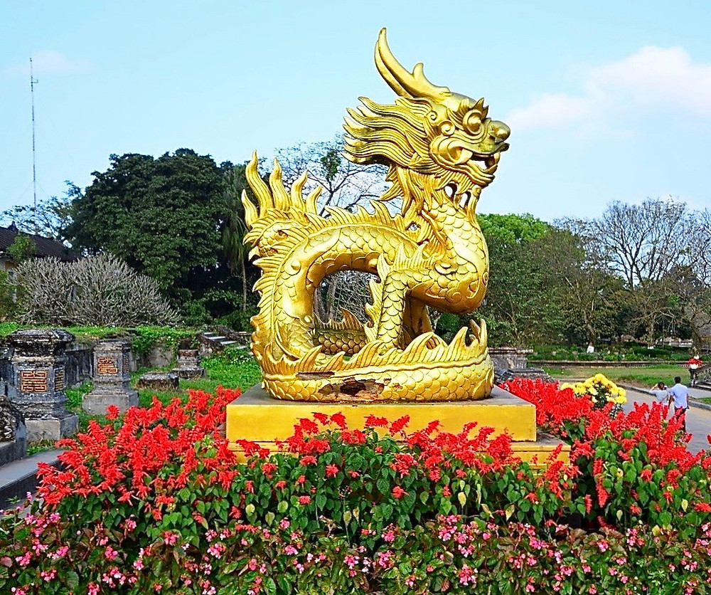 Golden statue of the king's seal, Vietnam