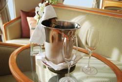 Regent In-suite Champagne