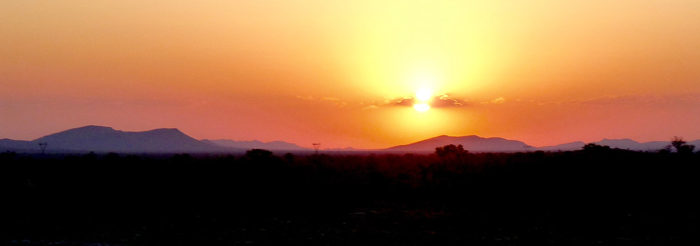 #African #sunset at #Madikwe Game Reserve, #SouthAfrica