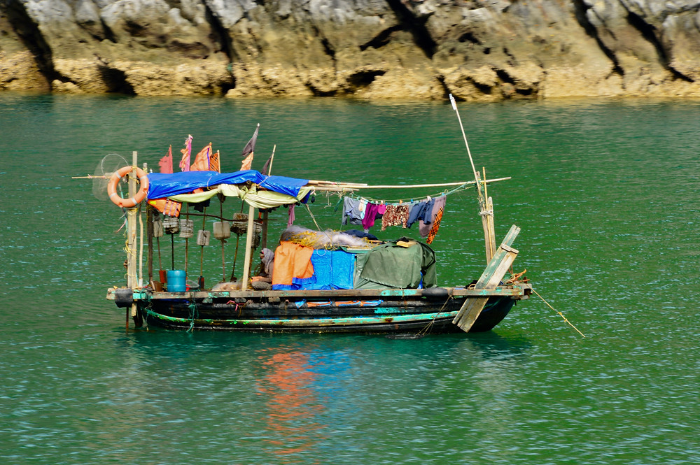 "Vietnamese version of a ""houseboat"""