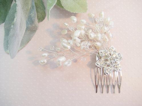 Sparkling Swarovski Crystal and Pearl Flower Bridal Hair Comb