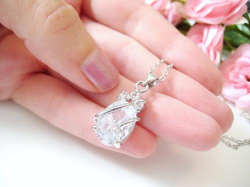 Sparkling Cubic Zirconia Crystal Pendant Bridal Necklace