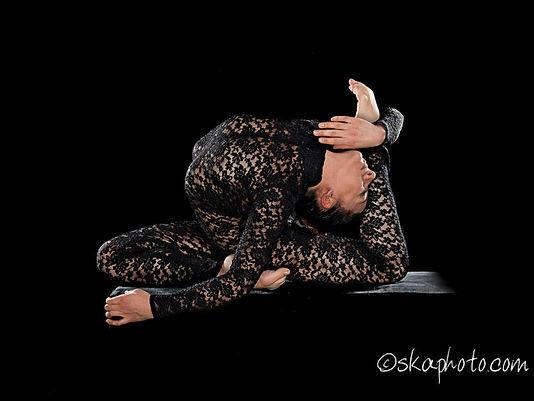 SPETTACOLO CONTORSIONISTA,flessibilità,acrobatica,verticalismo,serpente,contorsionismo,contortion,act,show,spettacoli