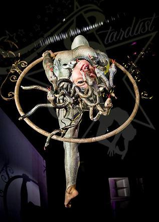mithologia graca medusa acrobati stardust eventi a tema divinità dei dea olimpo spettacolo antica