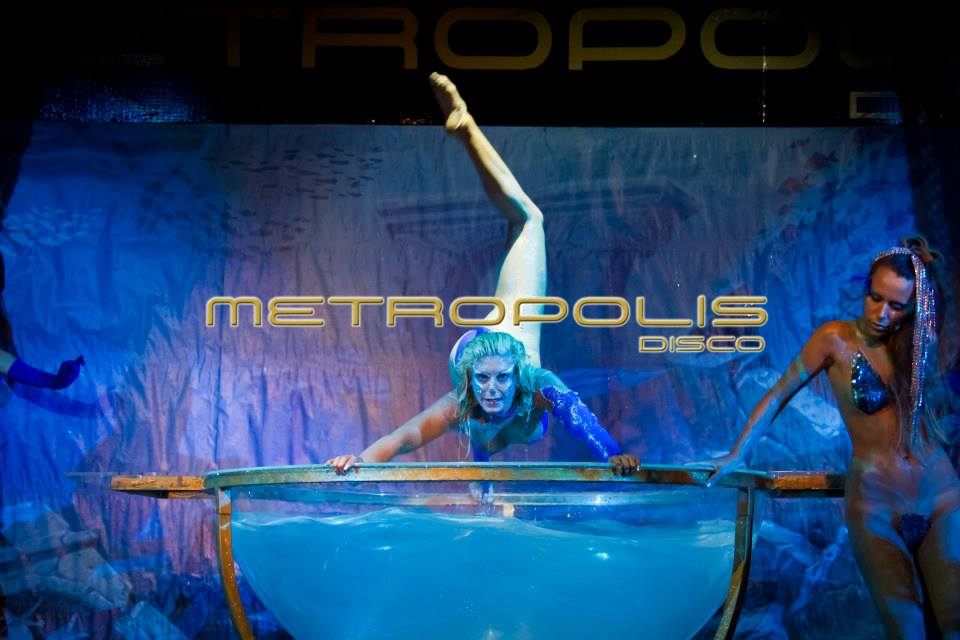 WATER BOWL ACROBATIC SHOW