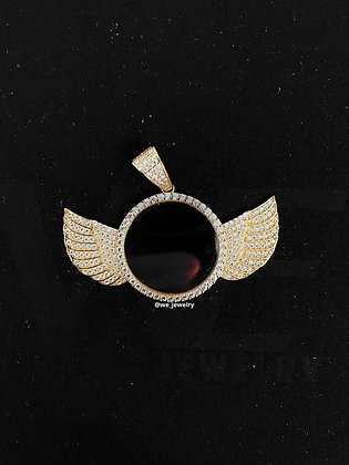 10K Wings Picture Pendant