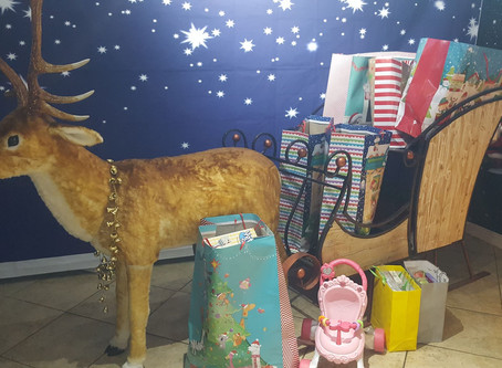 Local families support Santa's Visits to hospital