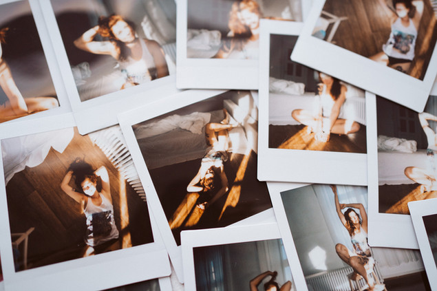 Polaroid Boudoirkuvaus boudoirphotos