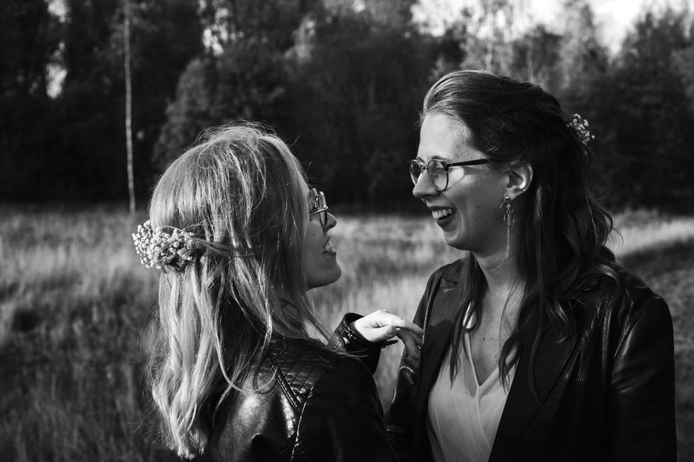 Naisparin pienet syyshäät Vantaalla